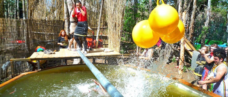 Lloret de Mar Humor amarillo Campamento Rioloco
